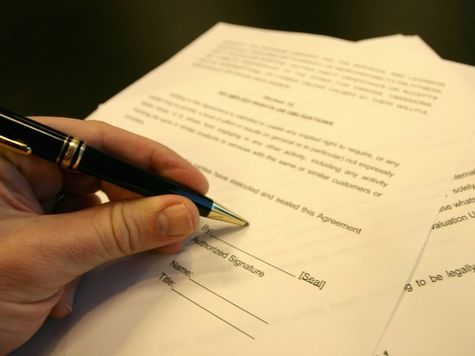 Приём на работу: какой договор лучше заключить?